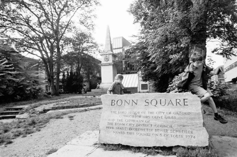 Bonn Square