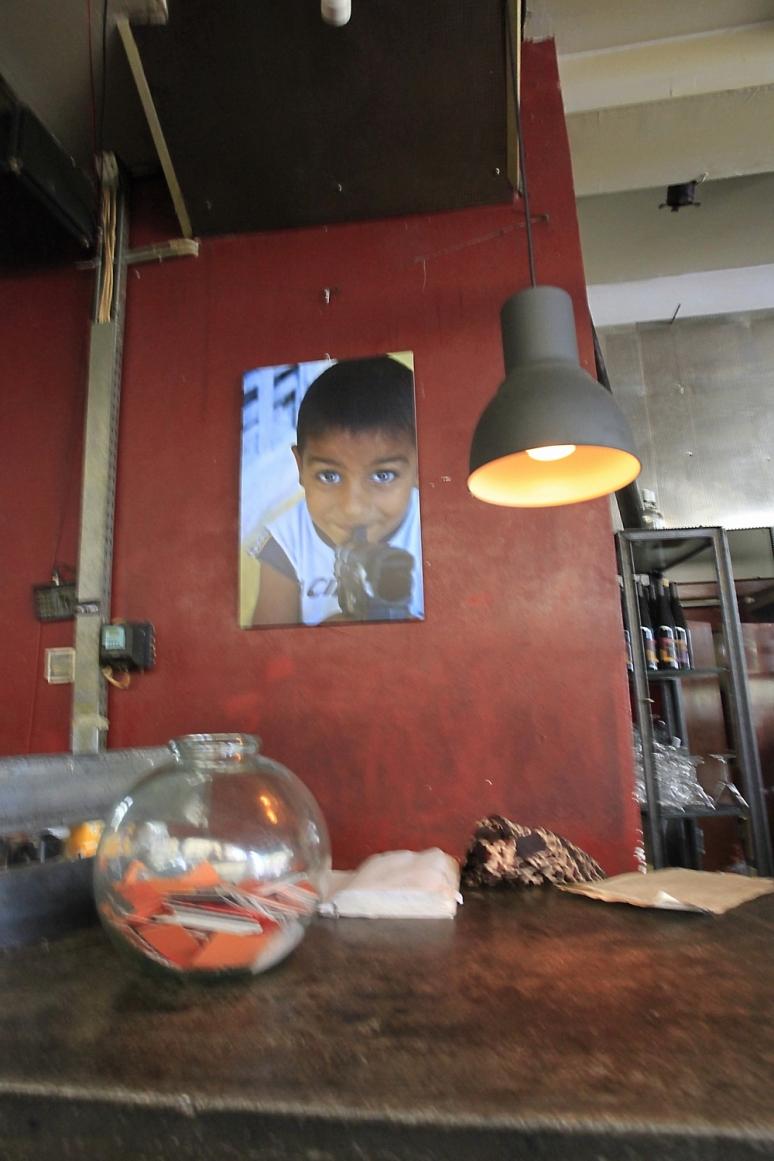 Ioannis Gavriil photo exhibition of Roma kids
