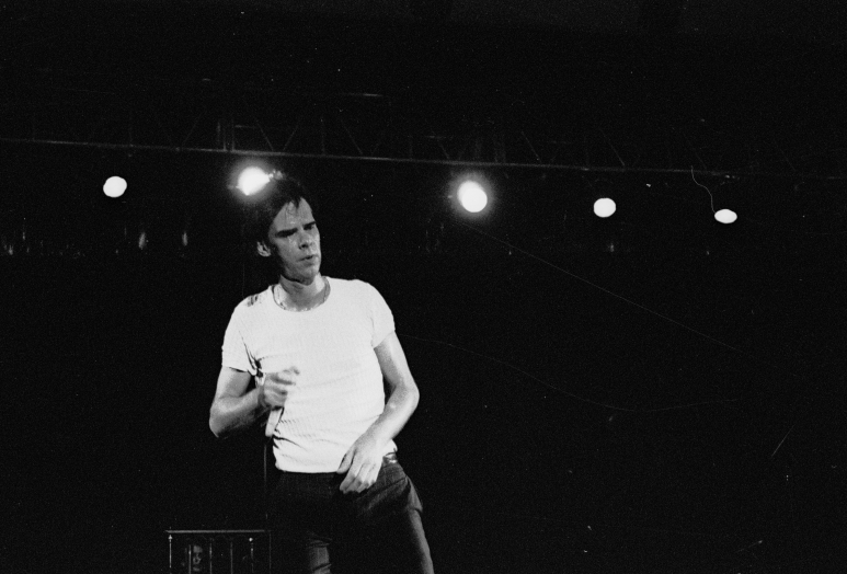 vg a051 bw 25 st 1998 nick cave and the bad seeds at rockwave festival - Copy