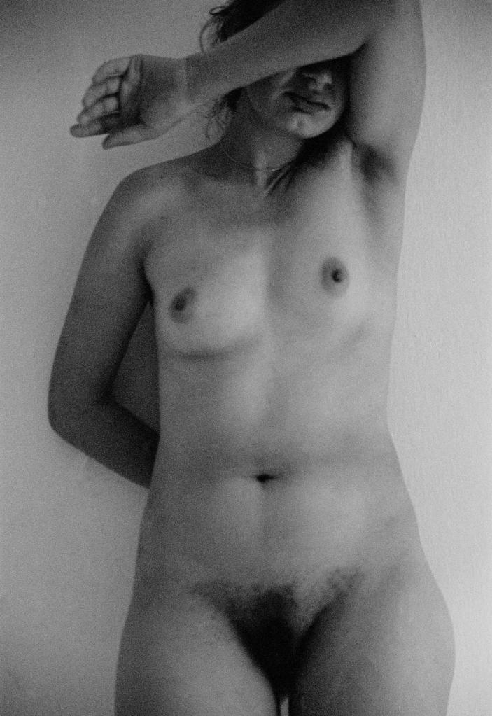 vg a094 bw 17 st 1999 eleni nude