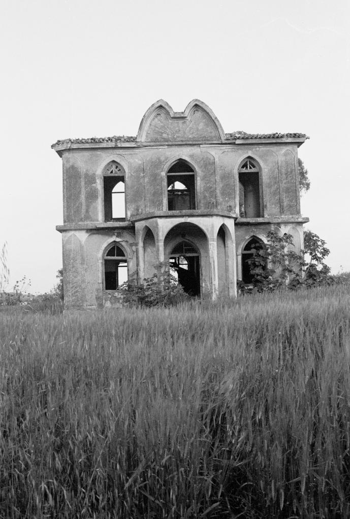 vg 060 bw 16 st 1998 Pikermi house of Skouze (2)