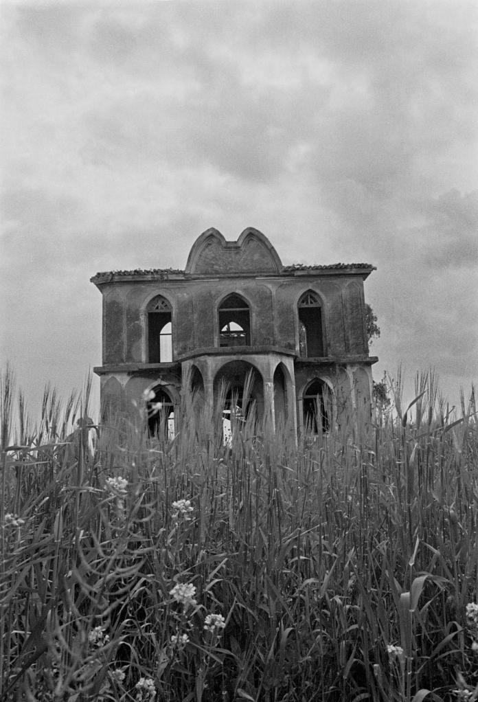 vg a074 bw 25 st 1999 skouze's house at pikermi