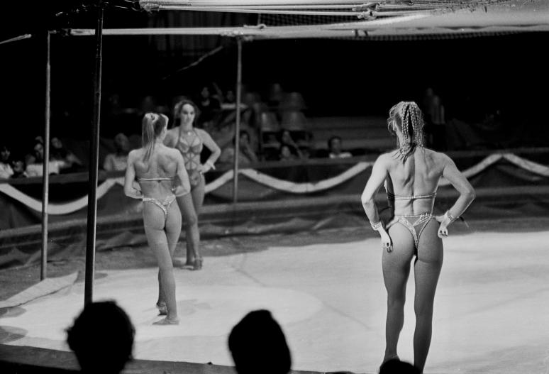 vg b134 bw 09 st 2001 hania at the circus