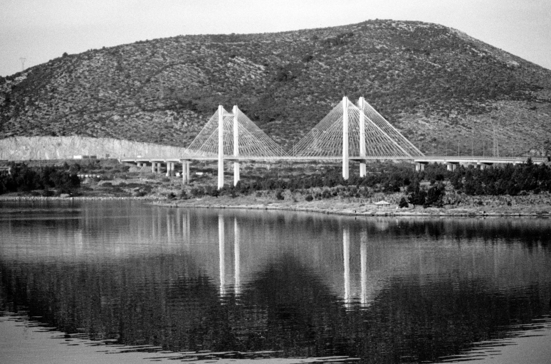 vg b378 bw 12 st 2003 - the bridge of Halkida