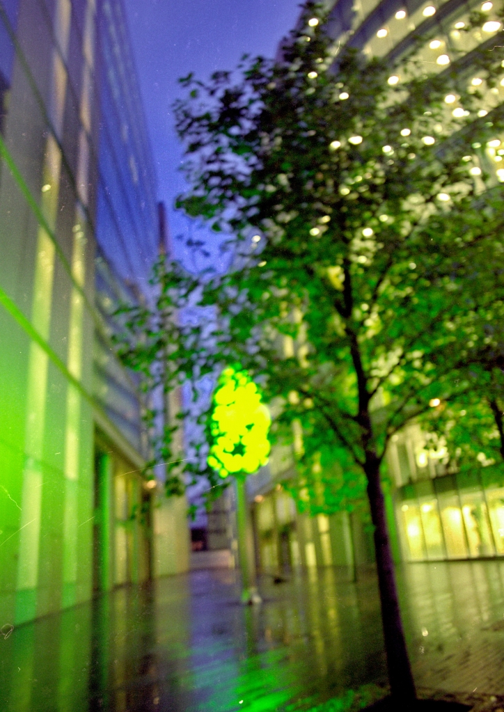 vg 284 col 30 London 2004