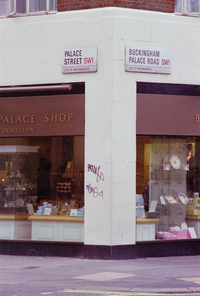 vg 294 col 20 London 2004